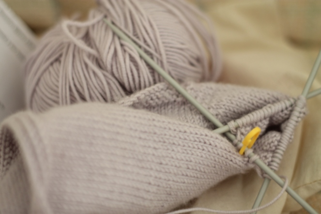 knitting_puerperium for baby_close up_ipad chair_9-1-15