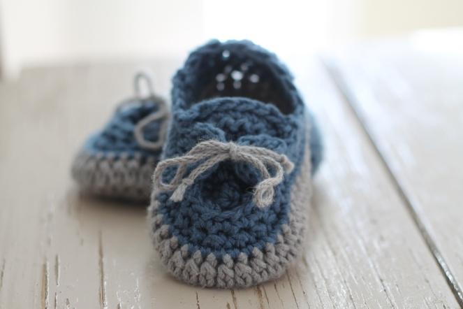 22-11-15_crochet boat shoes-4